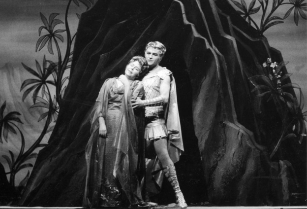Richard Strauss (1864–1949), Ariadne auf Naxos, 1964, Ariadne (Christa Ludwig) und Bacchus (Jess Thomas), © Archiv der Salzburger Festspiele/Foto Ellinger