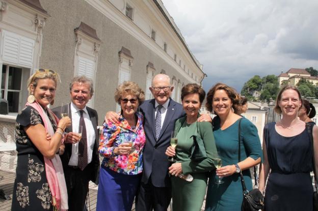 Frau Schuchter, Herr Schuchter (Honorarkonsul NL Botschaft), Prinzessin Margriet der Niederlande mit Ehemann Pieter Vollenhoven, Brigitta Pallauf (Landtagspräsidentin), Elisabeth Resmann (Geschäftsführerin DomQuartier), Direktorin  Nauhaus (Gemäldegalerie)