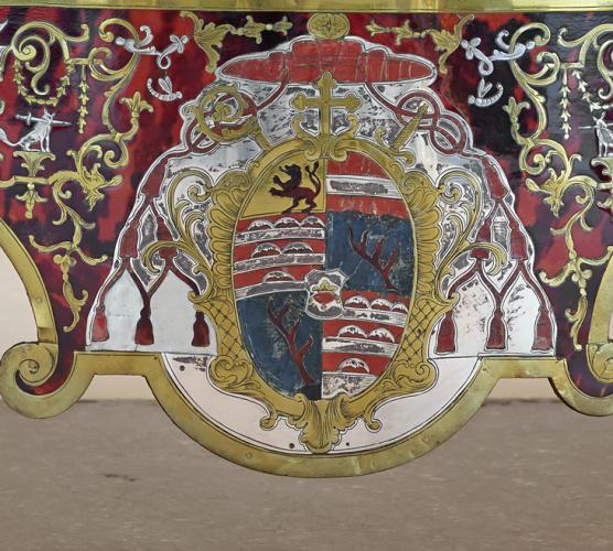 Wappen mit Teilen eines Hirschgeweihs (sogenannte Hirschstangen) mit kleinen Sternen