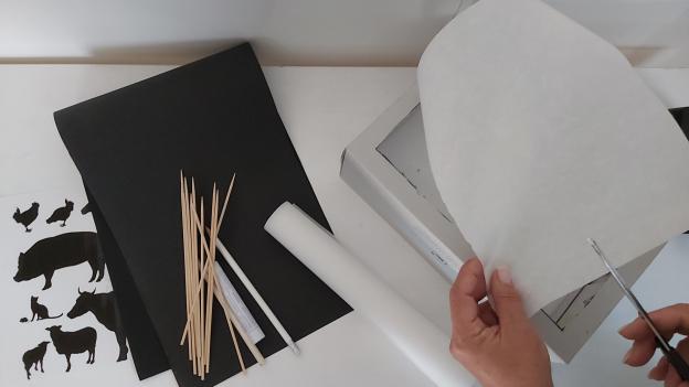 Butterbrotpapier in Schuhkartongröße ausschneiden