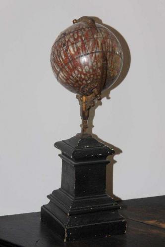 Kugelsonnenuhr, um 1700/1800, Adneter Marmor (?)