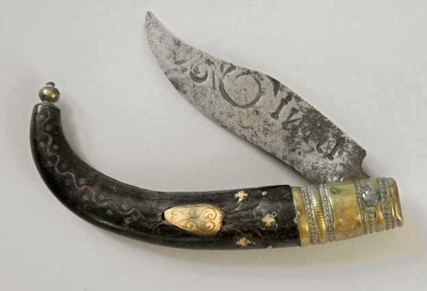 Drudenmesser, 18. Jh., Horn, Bein, Messing ©Dommuseum/Kral