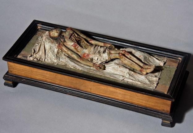 Toter Christus im Sarg, 2. Hälfte 18. Jh., Wachsbossierung, schwarz gebeiztes Holzkästchen © Dommuseum/J. Kral