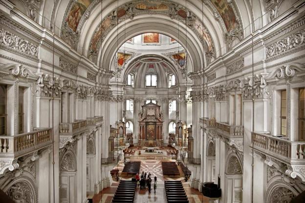 Blick in den Dom  von der Orgelempore © Dommuseum Salzburg/J. Kral