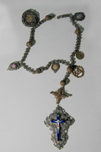 Rosenkranz aus Silberfiligran, um 1800, Länge 60,5 cm.