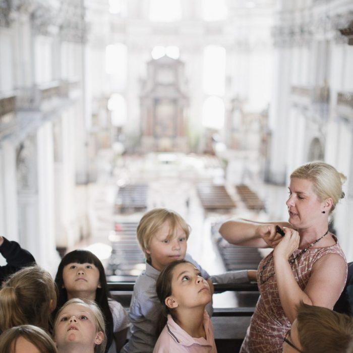 Veranstaltung Kreativ-Kids-Club: Freche Früchtchen und bunte Blumen im DomQuartier Salzburg