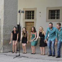 """Artikelbild zur Veranstaltung Fest zur Festspieleröffnung zu Gast im DomQuartier """"Lessacher Alphornbläser"""""""
