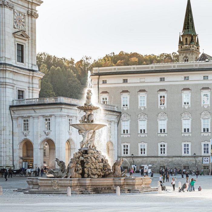 """Veranstaltung Nach art des Hauses …: """"Tod und Vergänglichkeit"""" und zeitgleich für Kinder """"Allerheiligen und Halloween"""" im DomQuartier Salzburg"""